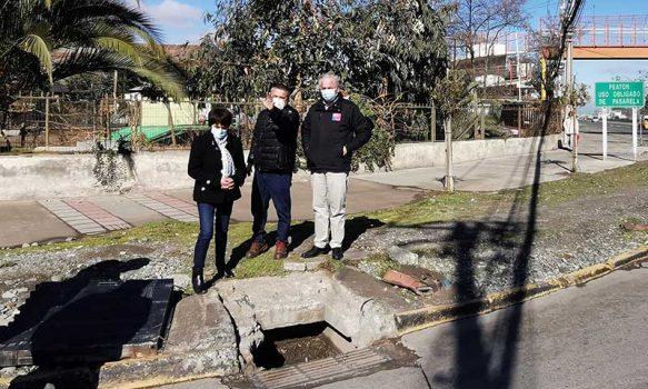 Alcaldesa María Montero junto al Seremi de Obras Públicas recorrieron Olivar para identificar problemáticas