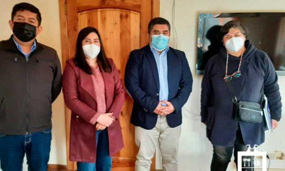 Colegio de Profesores de Las Cabras sostuvo reunión informativa con alcalde Juan Flores