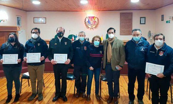 Gobernador de Colchagua rinde homenaje a bomberos de la provincia