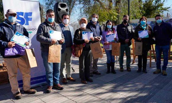 Indap conmemoró Día del Campesino con entrega de maquinaria y distinciones a agricultores