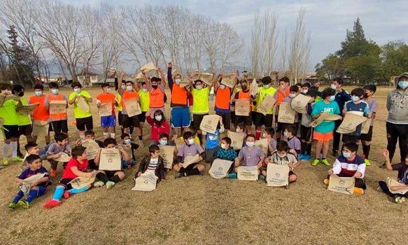 Seremi del trabajo visita escuelas de futbol para difundir campaña sobre la erradicación del trabajo infantil en la región