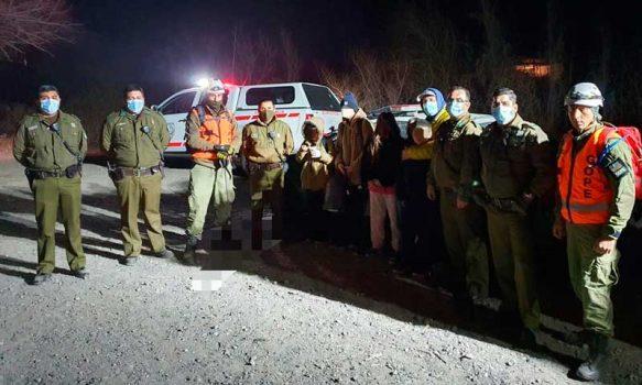 Carabineros encontraron a un padre y cinco niños extraviados en el cerro Río Claro
