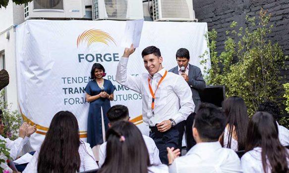 Fundación Forge abre postulación a 800 becas de capacitación laboral para jóvenes