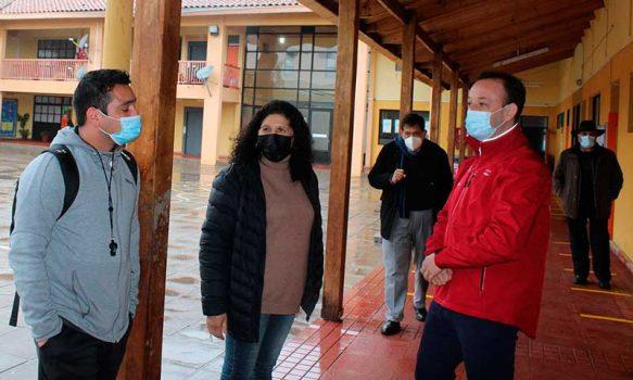 Importante reunión sostiene alcaldesa de Palmilla con seremi de Educación