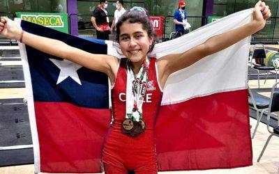 Pequeña levantadora de pesas sumó 5 medallas de bronce en el panamericano de México