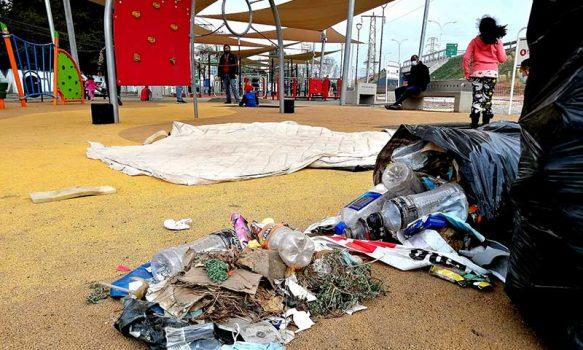 """Plaza """"Elige vivir sano"""" sufre con la falta de cuidados de las personas"""