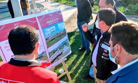 Autoridades dan el vamos al programa de conservación de parques urbanos en parque La Paz de Santa Cruz