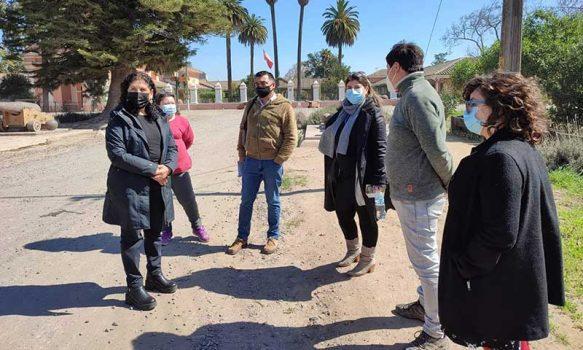 En terreno se analiza con monumentos nacionales mejoramiento del camino Cañones de El Huique