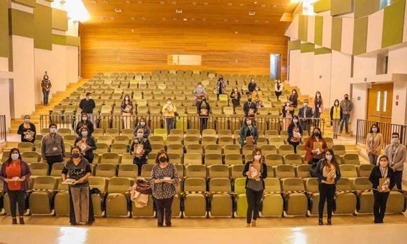 Entregan Becas de excelencia académica a funcionarios del HRLBO