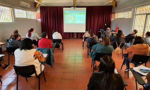 Hospital de Chimbarongo se capacita para abordar la atención hacia la persona mayor