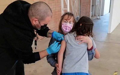 Más de 2000 estudiantes machalinos fueron inoculados en campaña de vacunación escolar 2021