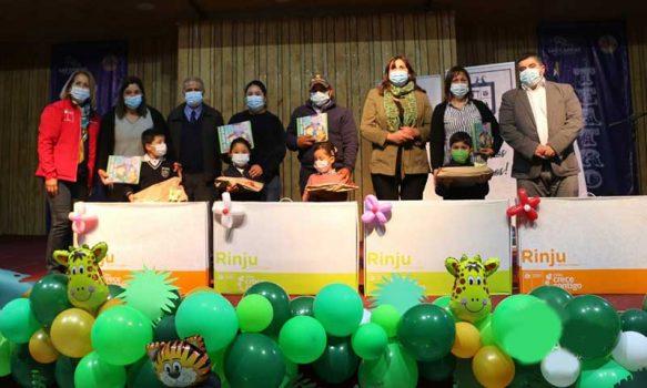 Alcalde de Las Cabras participó en entrega Rincón de Juegos a niñas y niños de pre-kínder