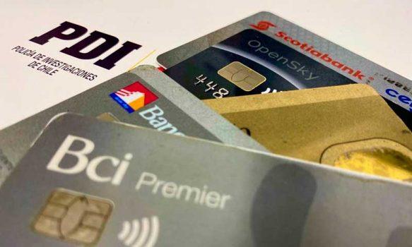 Detectives detuvieron a sujeto que intentaba comprar celulares con tarjeta bancaria que no le pertenecía