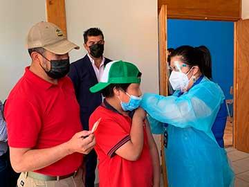En Coltauco Seremi de Salud potencia vacunación de niños entre 6 y 11 años, como también dosis de refuerzo