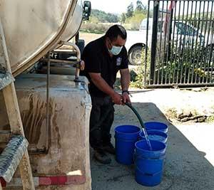 En Las Cabras vecinos del sector Santa Clarisa exigen soluciones a problemas de falta de agua potable