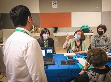 Hospital Regional capacita a usuarios sobre tecnologías digitales que facilitan su atención