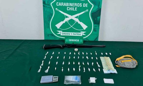 Un detenido y diversos tipos de droga decomisada durante operativo en Coltauco